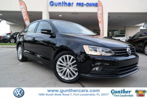 Certified Pre-Owned 2015 Volkswagen Jetta 1.8T SE w/Connectivity/Navigation